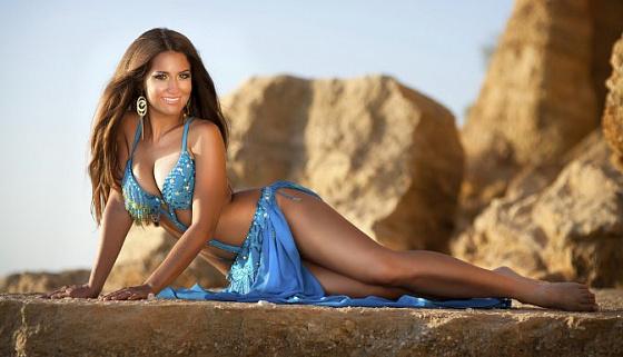 фото красивых девушек востока на пляже