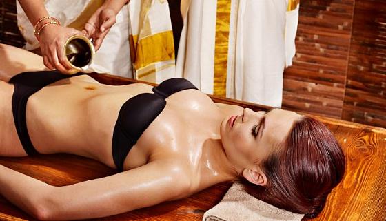 Фото голых масляный массаж телом порно видео джей сосет фото